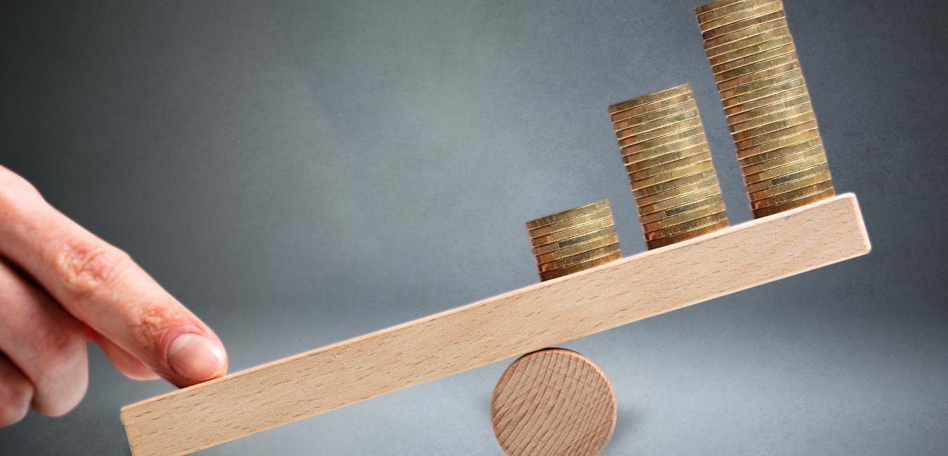 レバをかける・効かせるとは!?「レバレッジ」の意味、かけ方の種類(株/FX/ビジネス)と仕組みをわかりやすく解説。